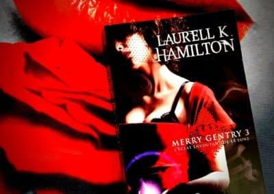 Merry Gentry Tome 3 : L'éclat envoûtant de la lune de Laurell K. Hamilton