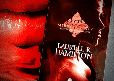 Merry Gentry Tome 7 : les Ténèbres dévorantes de Laurell K. Hamilton